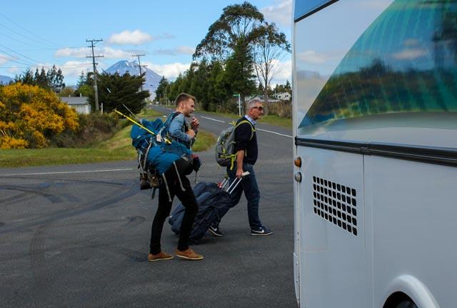 Her er vi endelig kommet frem til nasjonalparken Tongariro med buss for tog.
