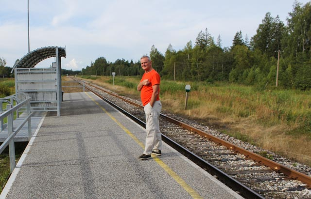 "Tori er bare en ""melkerampe"" langs toglinjen fra Tallin til Pärnu."