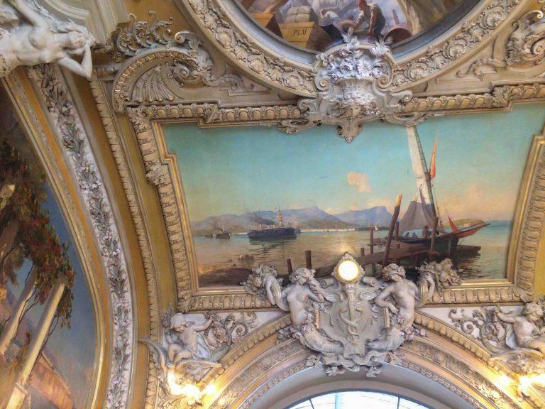 Le Train Bleu på Gare de Lyon er jernbanerestaurant i særklasse. Her er noen av takmaleriene fotografert.