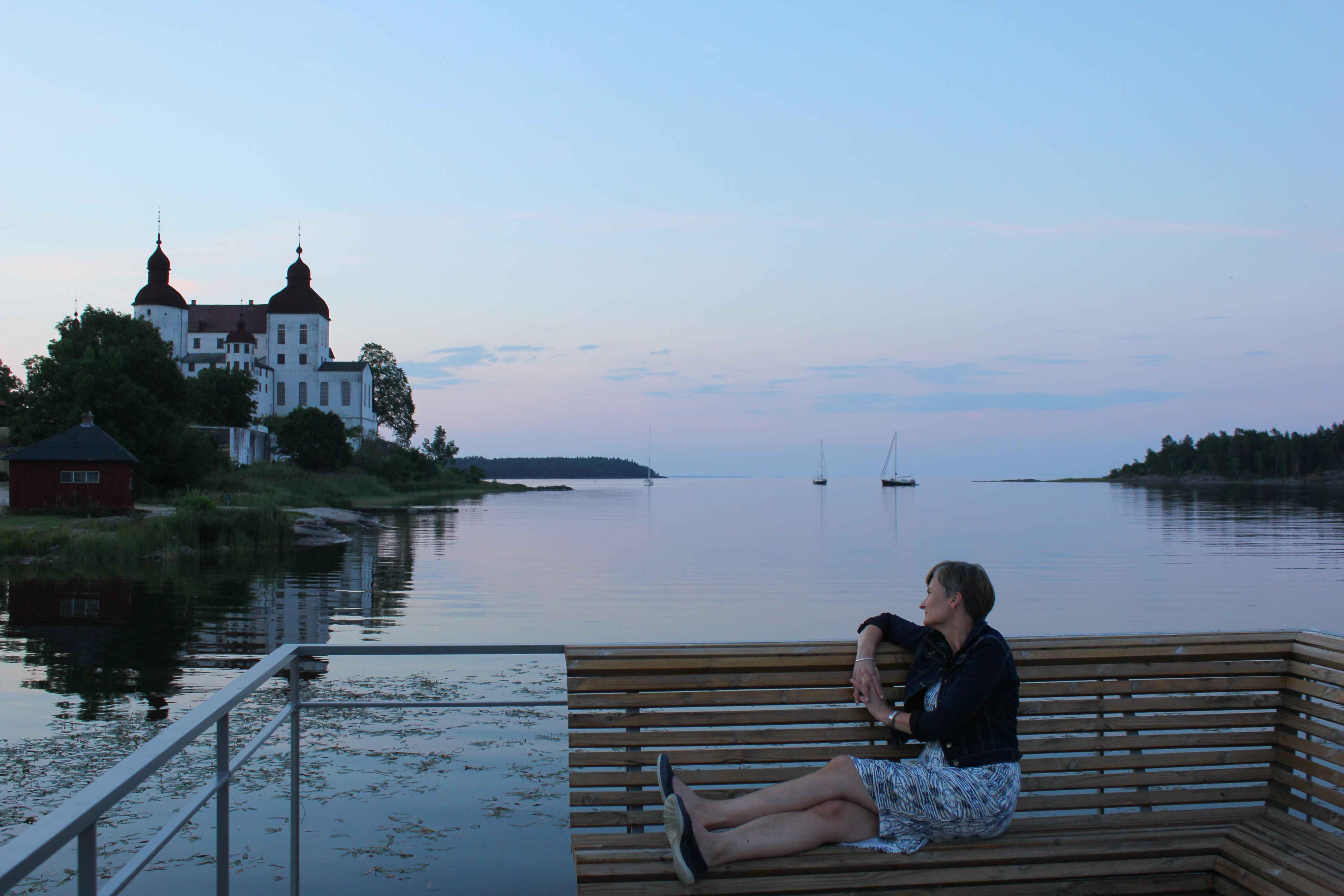 Vi har tatt toget fra Strömstad og har kommet hit, til Läckö Slott ved Vänern.