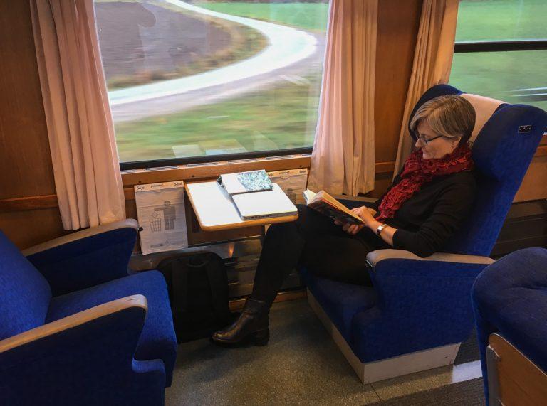 Førsteklasse-sete om bord i Blå Tåget.