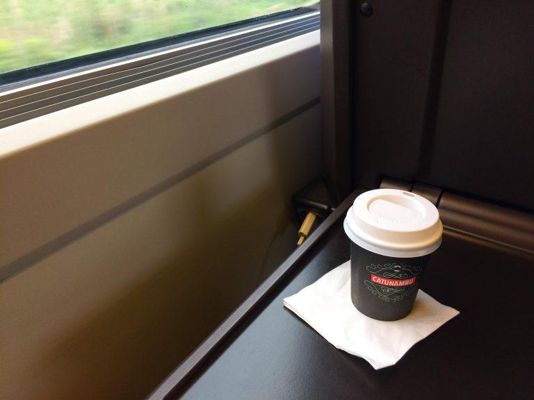 Finere tog, men langt dårligere service på det fransk-spanske toget mellom Marseille og Barcelona. Dyr og dårlig kaffe.