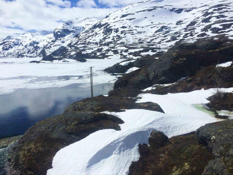 Våren kommer - utsikt fra Bergensbanen.