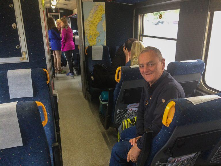 Her er vi om bord på Inlandsbanan, klar for 13 timer om bord.