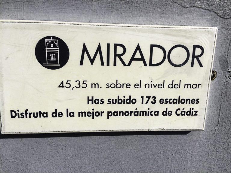 Velkommen opp i byens høyeste tårn, Torre Tavira i Cadiz