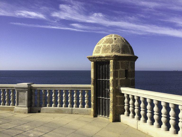 Gamlebyen i Cadiz og Atlanterhavet.