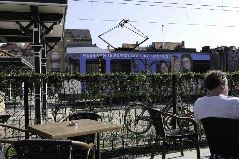 Trikkeholdeplass med servering, De Haan aan zee.