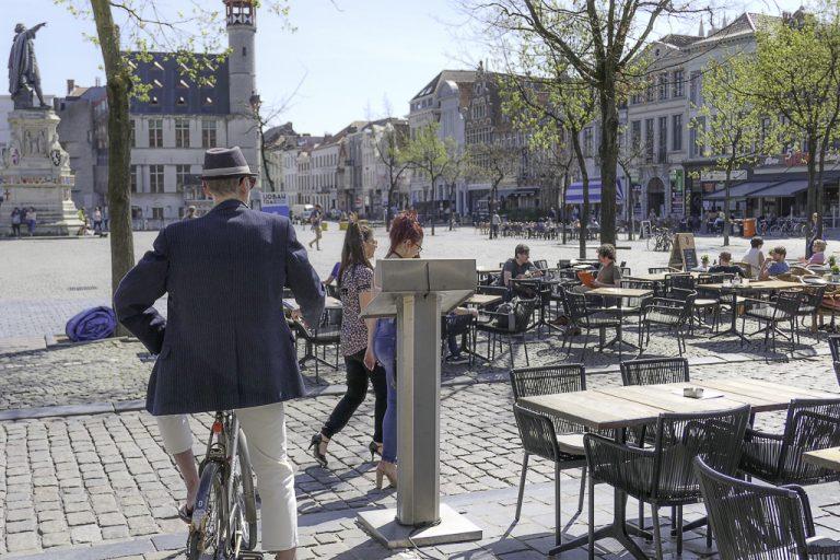 Dette er ett av stedene vi gjerne besøker når vi har tatt tog til Gent - Fredagsmarkedet.