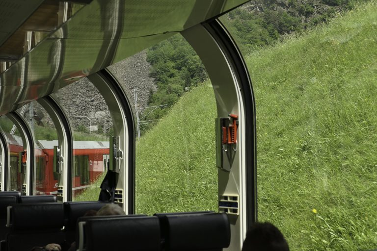 Frodiggrønt rundt oss ved starten av Bernina Express-ruten i Nord-Italia.