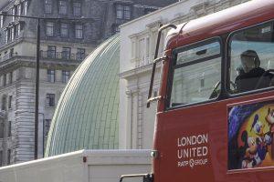 Jeg har tatt tog til London, og er kommet frem til reisens mål.