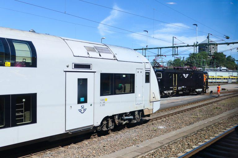 Reisen fortsatte med SJs dobbeltdekker retning Stockholm.