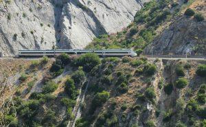 Min neste togferie går til Andalucia - et område jeg aldri blir lei av. Her: Toget gjennom Garganta el Chorro.