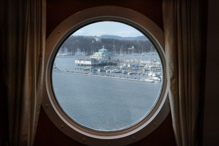 Utsikt fra en lugar i 10. etasje, Kielfergen. Reisen kan begynne!