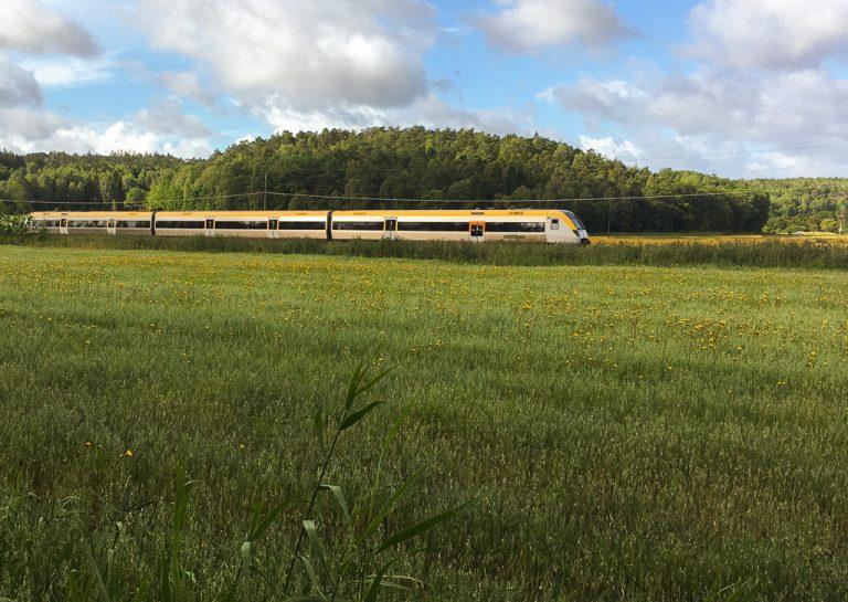 Bohusbanan - toget mellom Strömstad og Göteborg. Fint å vite om for den som vil ta årets sommerferie på sparket.