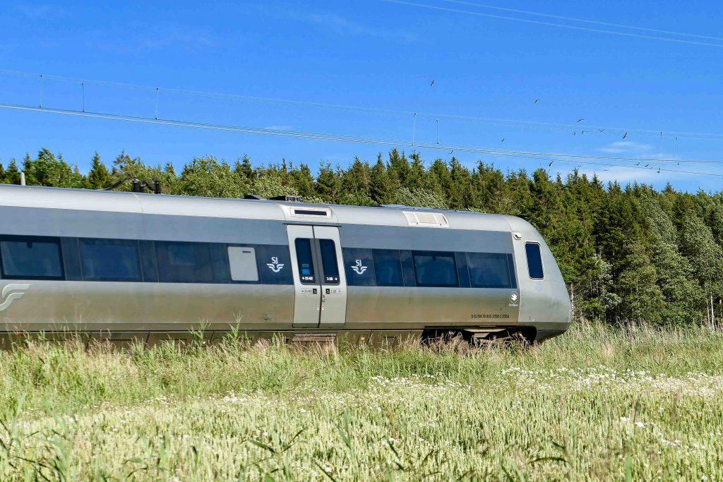 Tips for den som vil ta årets sommerferie på sparket: SJs snabbtåg som hver dag i sommersesongen går mellom Strömstad og Stockholm.