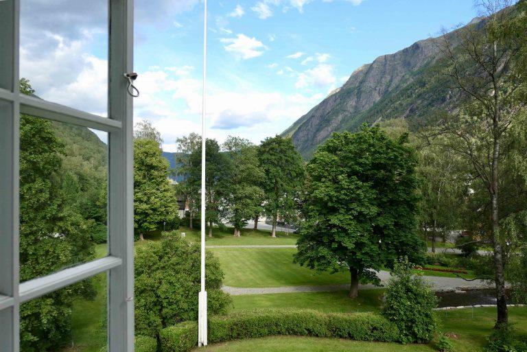 Utsikt fra Sam Eyde-suiten på Hotel Rjukan Admini.