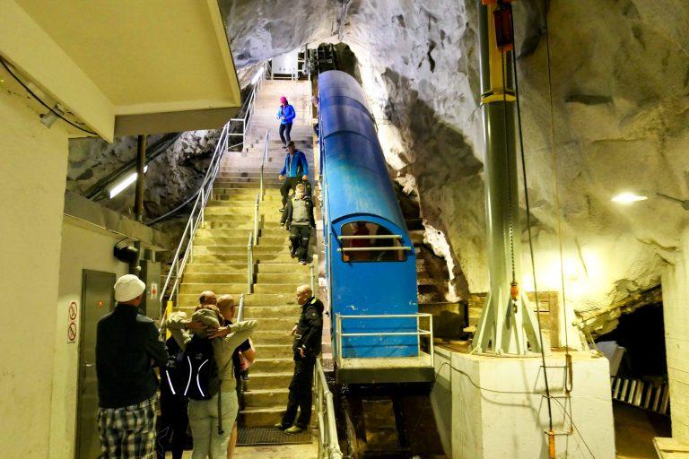 Gaustatoppen med bane: Det er denne som skal ta oss til topps der inne.