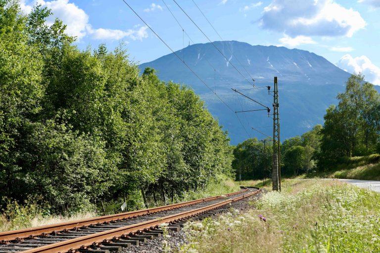 Rjukanbanen ved foten av Gaustatoppen - i dag museumsbane og viktig del av verdensarvstedet Rjukan-Notodden Industriarv.