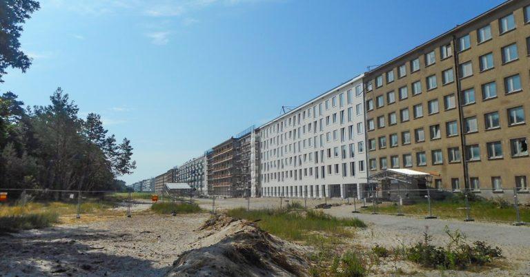 Nazistane ville byggje verdas største badehotell på Prora sør for Sassnitz. Hotellet, som inneheld rundt 10 000 rom, blei ikkje ferdig før andre verdskrigen, og vart aldri tatt i bruk til sitt opprinnelege føremål.