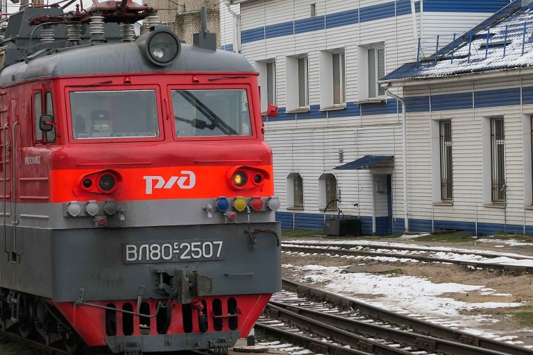 Et lokomotiv fra Russian Railways fotografert på stasjonen i Vladimir.