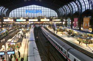 Hamburg Hauptbahnhof - målet vårt for reisen til Tyskland med tog.