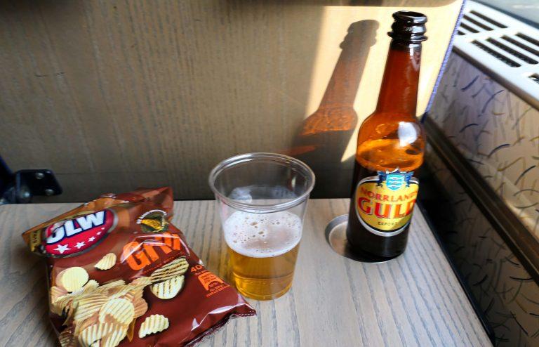 På Öresundståg mellom Göteborg og København går det til og med an å skeie ut med litt mat og drikke fra trillevog