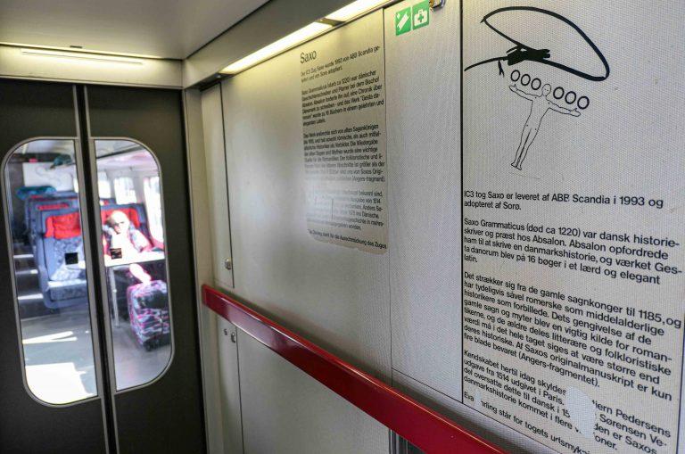 Danske tog har fått egne navn, og historien bak fortelles om bord.