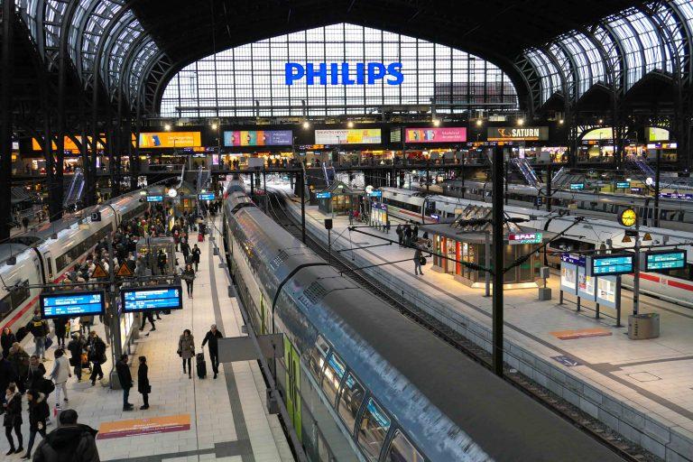 Hamburg Hauptbahnhof! Herfra var dette en reise i restaurantvogn.
