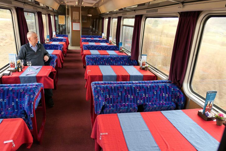 Slik kan vi reise i restaurantvogn - dette er restaurantvognen på direktetog mellom Wien og Ljubljana.