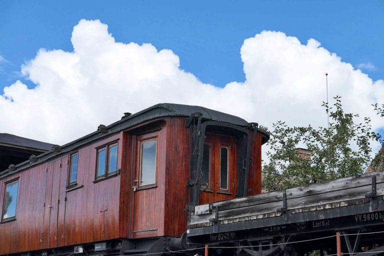 Gammelt NSB-tog på Maihaugen.