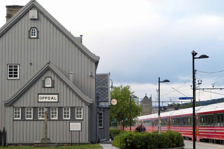 Velkommen til Oppdal – kjent for ski og skifer, mindre kjent for sommerturisme.