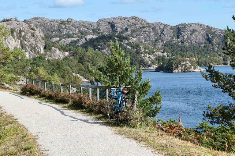 Vi var på helgetur i Norge og hadde valgt et reisemål med fine turmuligheter. Her sykkel på Den gamle Jærbanen.