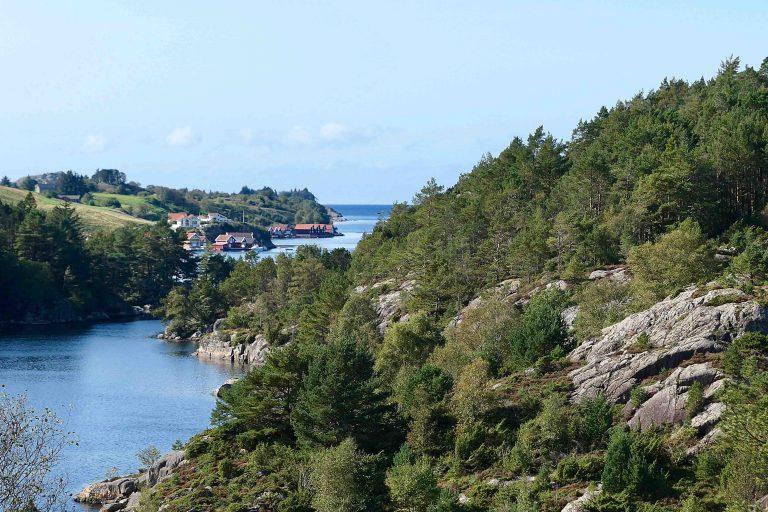 Utsikt fra turveien Den gamle Jærbanen mot storhavet i vest.