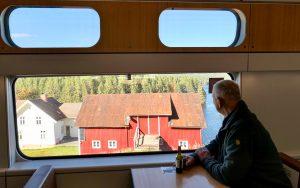 Dette bildet fra restaurantvognen på Sørtoget viser at togreiser i Norge kan være riktig fint.