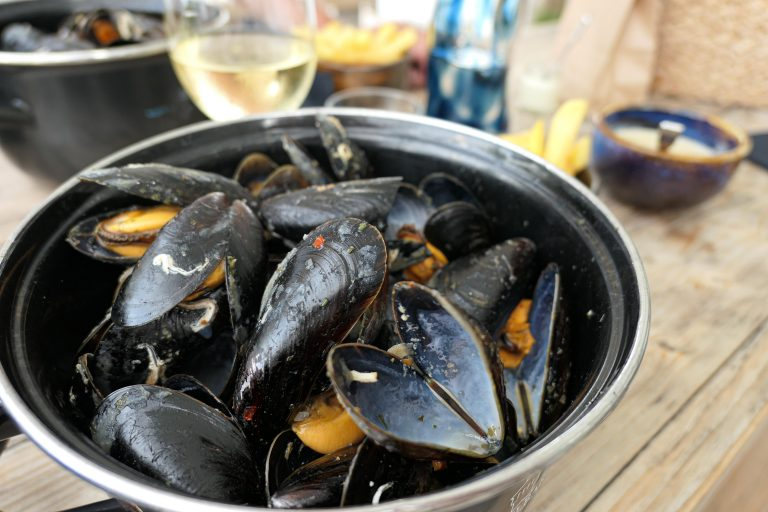 Dagens meny: Klassisk blåskjellgryte slik den ble servert på Musselbaren i Ljungskile.